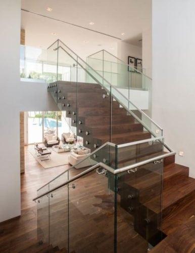 Escada do Projeto de interiores de residencia em Palm Island, Miami.