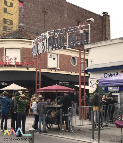 A entrada do Marché Paul Bert Serpette, no marche aux puces