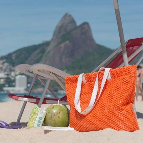 bolsa de praia Partiu produzido pela Plastico Bolha Store