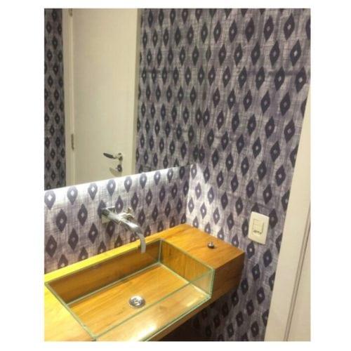 papel de parede no lavabo de Anna Milliet