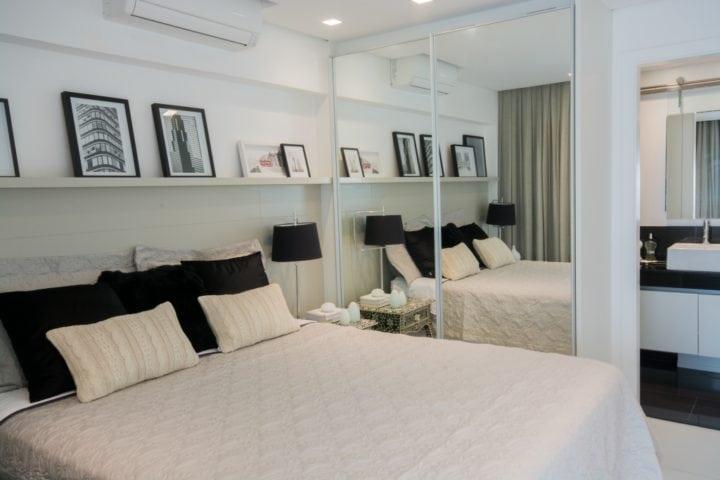 quarto do apartamento pequeno por Bordin&Soares