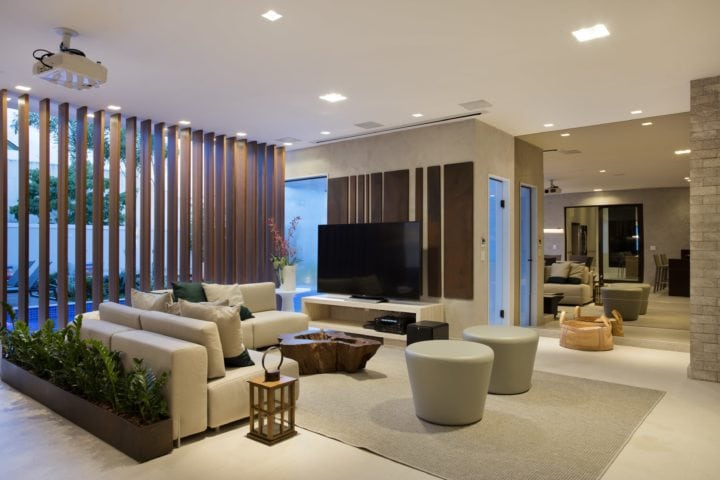 Area externa da Casa do DJ Dennis com projeto de Claudia Pimenta e Patricia Franco