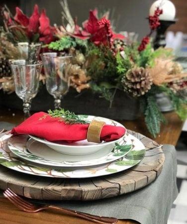 Mesa decorada de Natal com pegada rustica da Receber bem.
