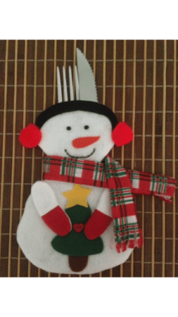 Porta-talher de boneco de neve para decorar a mesa de Natal.