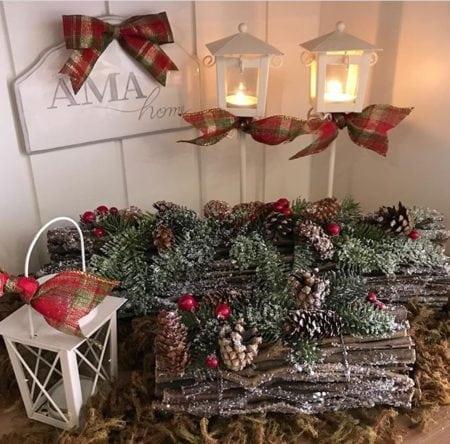 galhos e pinhas para decorara a mesa de Natal.