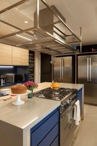 Ilha na cozinha para receber o fogão.