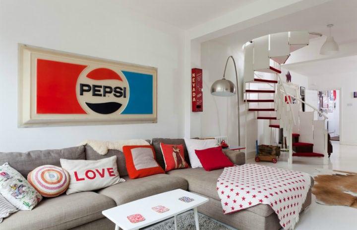 Sala de estar com detalhes retrô