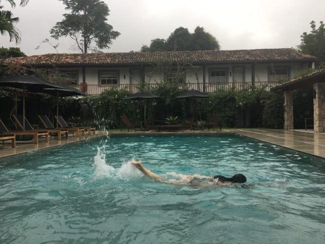 piscina da pousada literaria em Paraty