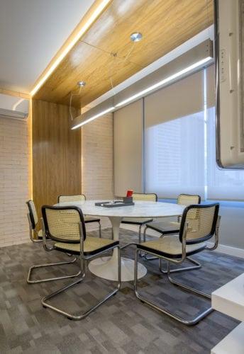 sala de reunião do escritorio de rosa prado