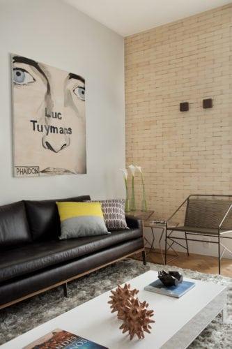 sala assinada por arquiteto Mauricio Rebello e pelo engenheiro Getúlio Evangelista.