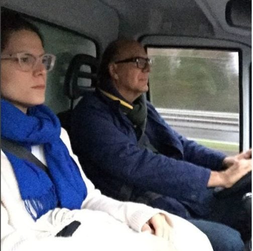 Paloma e Arnaldo Danemberg no caminhão