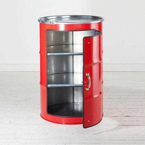 Upcycling, barris de óleo, se transformam em recipientes com inúmeras possibilidades. Com a ajuda de um abridor de lata especial, duas cordas de violão e dois ímãs, o barril vira um lindo item decorativo.