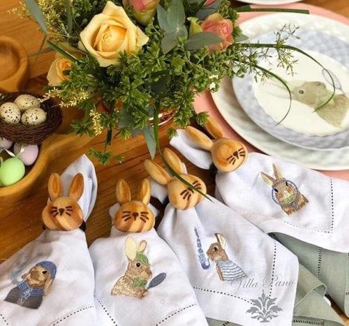 Inspiração e super dicas para a sua decoração de Páscoa. Guardanapos bordados com coelhinhos