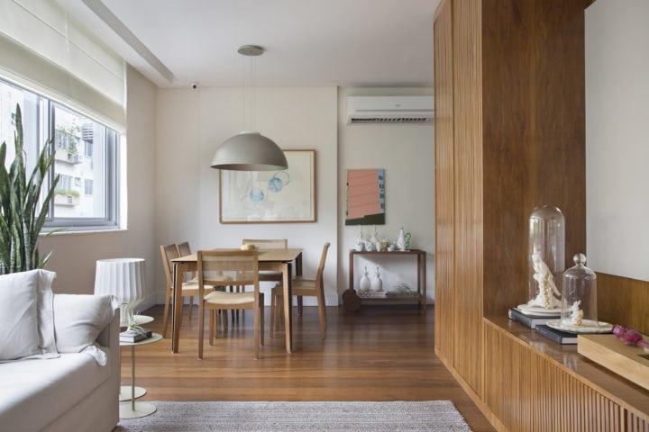 sala do apartamento assinado por bianca da hora no Humaita