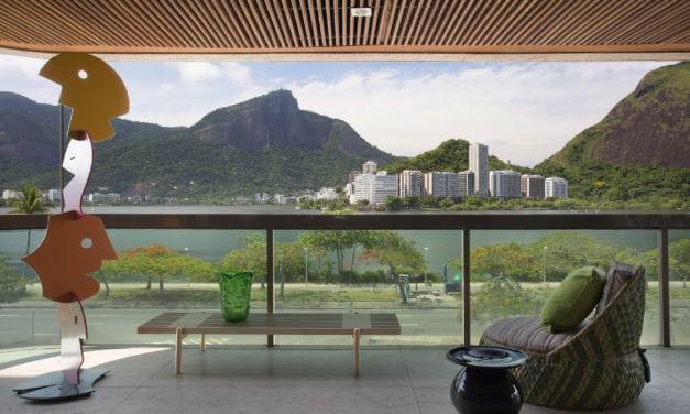 Com vista da Lagoa, Francisco Viana e Guido Sant'Anna colorem apartamento