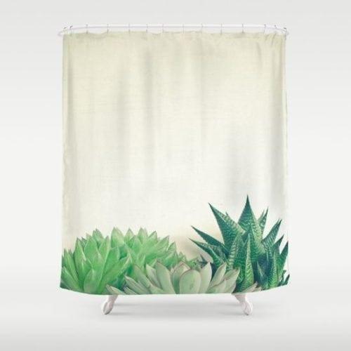 cortina de banheiro com estampa de suculentas