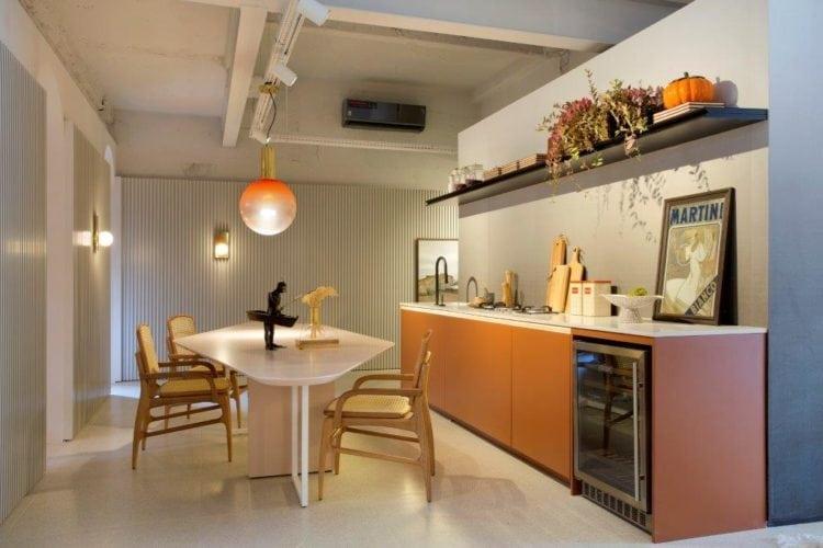CASACOR SP: Ambiente Léo Shehtman, Casa dos arcos. Pontos de dourado na decoração da sala de jantar