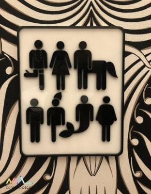 Placa na porta do Banheiro da Piloni Arquitetura para CasaCor sp