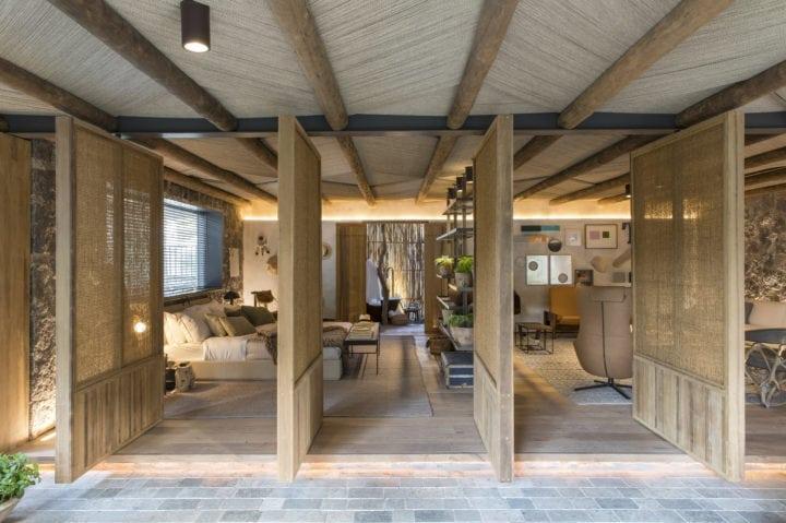 Portas de madeira no projeto da Triplex Arquitetura tendências 2019