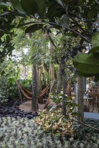 jardim de alexandre furcolin para casacor sp foto de evelyn muller