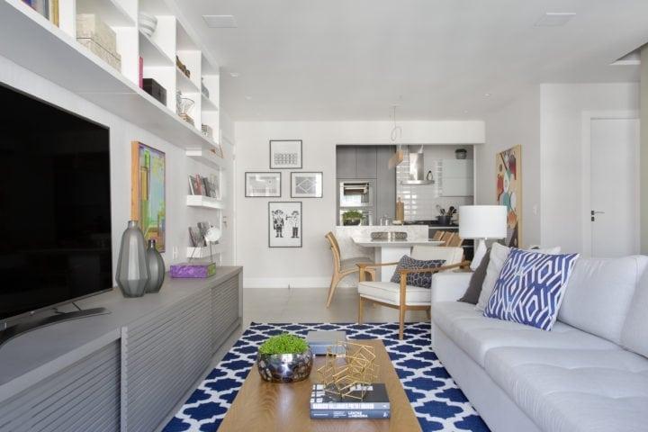 Sala do apartamento assinado por Bezamat Arquitetura