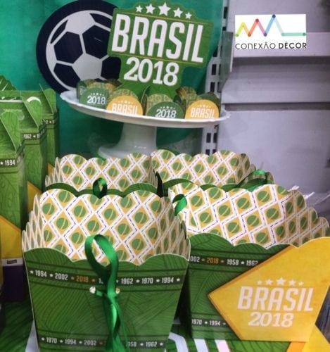 Dicas e inspirações para receber os amigos nos jogos da Copa do Mundo 2018.. Caixinhas de papel para pipoca.
