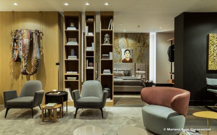 quarto e sala da Klaxon Arquitetura para CasaCor SC foto de Mariana Boro
