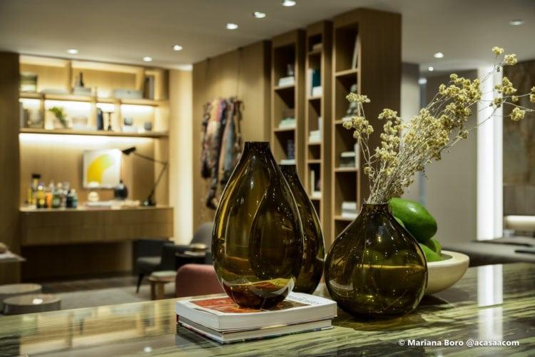 Detalhes da sala da Klaxon Arquitetura para CasaCor SC foto de Mariana Boro