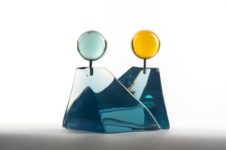 Escultura em resina, Iceberg,. Da artista plástica Virginia Sé