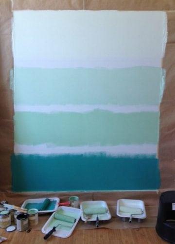 Diferença entre a pintura degradê e ombré. Pintura degradê , com fixas brancas separando as tonalidades.