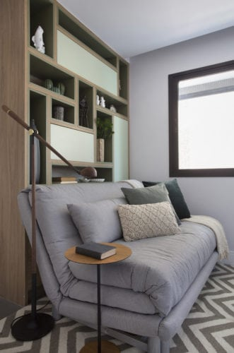 sofa cama da novo ambiente assinada por fabiano ravaglia e fotos de Denilson Machado
