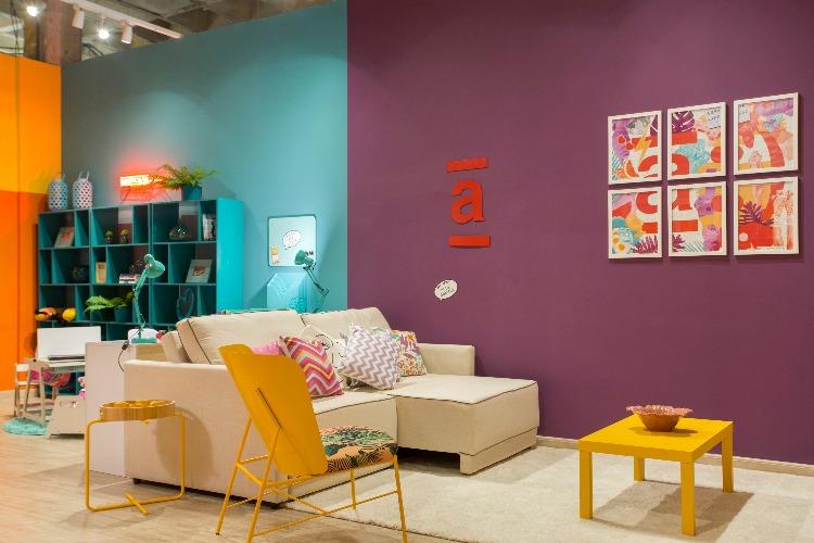 parede roxa e turquesa no ambiente Casa para Viver da Americanas.com assinado pela designer ANNA PAULA NOVIS na Morar Mais por menos Rio 2018