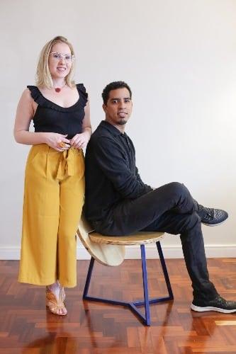 banco Pandeiro assinado pelos designers Jaildo Lima e Leandra Fernandez, do Studio Alfaia