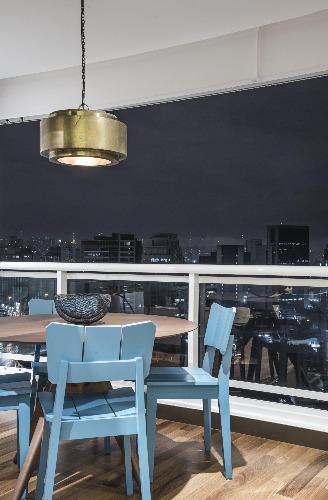 Cadeiras da Oppa no Loft Faria Lima - Pietro Terlizzi