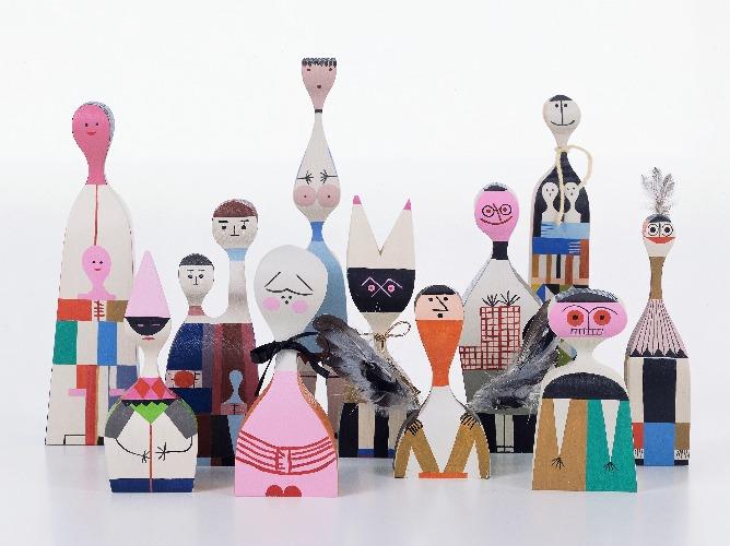 Wooden Dolls Group da VITRA assinadas por Alexander Girard em 1952