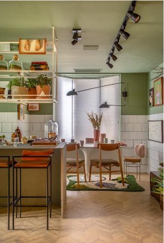 Cozinha com copinha, espaço para uma mesa redonda.