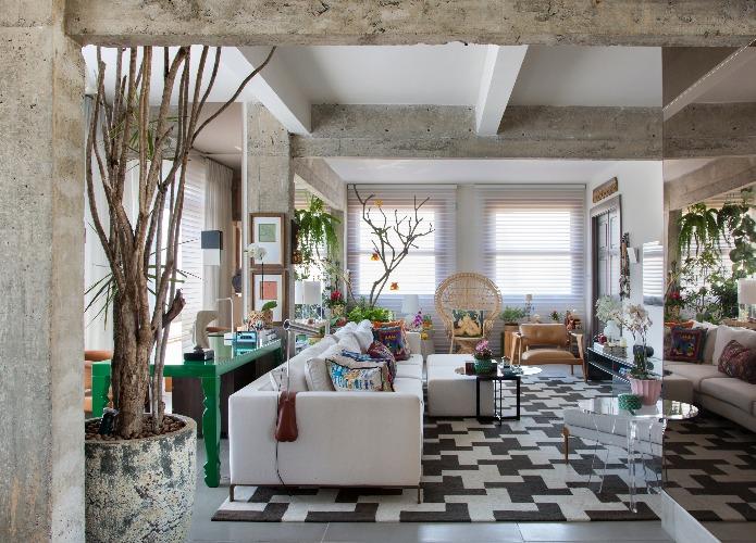 Sala com Decoração Afetiva por Manarelli Guimarães e foto MCA estudio