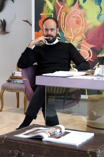 Marcelo Salum em seu ambiente para Bellacatarina