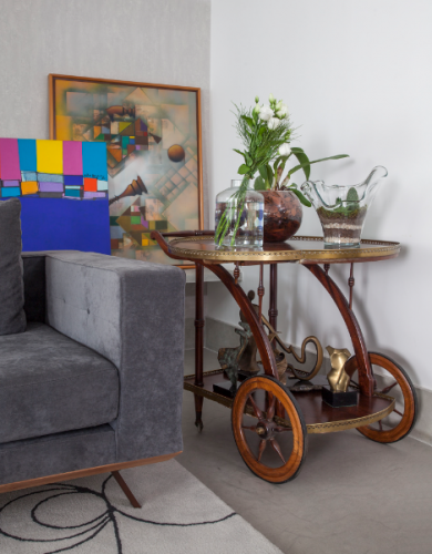 carrinho de chá ambientado por Karina Korn em decoração afetiva