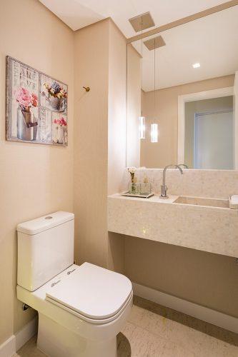 lavabo do apto compacto e romantico assinado por Monique Rosa e fotos de Julia Ribeiro
