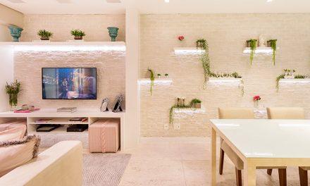 Apartamento compacto, integrado e romântico
