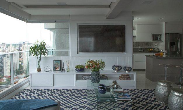 Apartamento de 100 m² aposta na integração total dos ambientes.