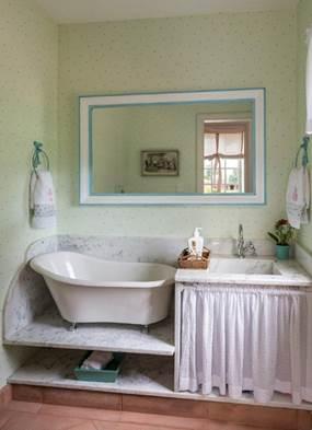 Projeto infantil reproduz perfeitamente, em miniatura, a clássica fazenda da família. Banheiro em escala infantil.