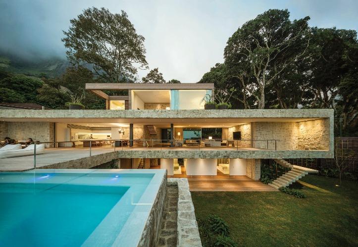 Casa em São Conrado by Arthur Casas