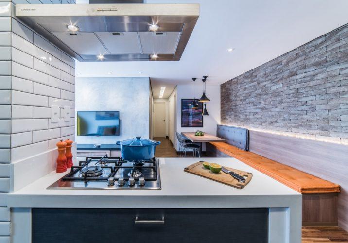 cozinha americana no duplex assinado por Pietro Terlizzi