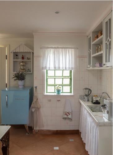 Projeto infantil reproduz perfeitamente, em miniatura, a clássica fazenda da família.. Cozinha.