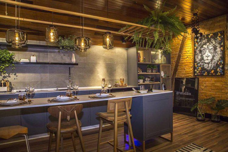 Sotão Gourmet por NR Interiores com produtos Arauco para Mostra Sul Blumenau