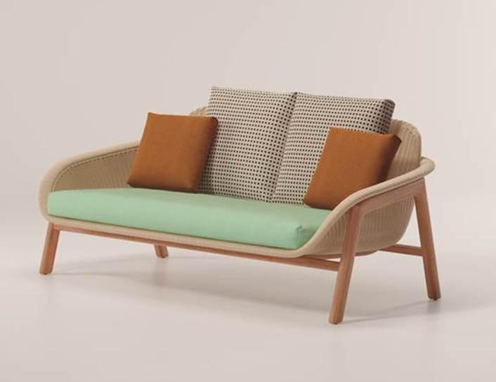 Linha de móveis para área externa assinada pela badalada designer Patricia Urquiola.. Sofá 2 lugares
