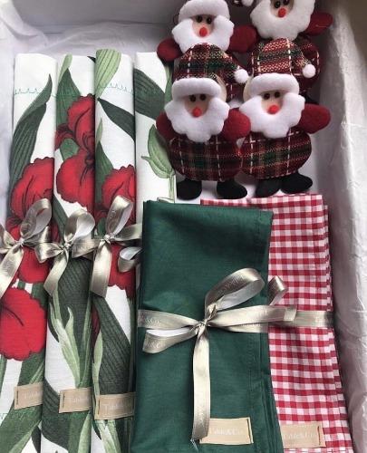 Kit de lugar a mesa com tema de natal, porta guardanapo de papai noel. INSPIRAÇÃO E SUPER DICAS PARA A SUA MESA DE NATAL! 2018