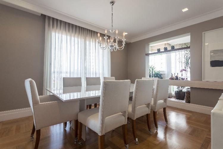sala de jantar assinada por Lucianne Korn